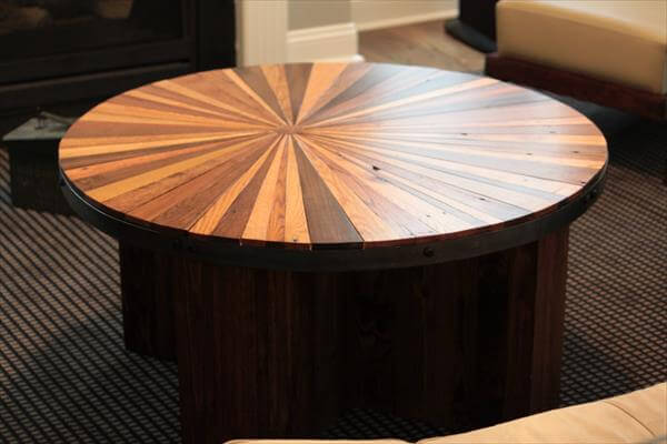 Diy Sunburst Round Topped Pallet Coffee Table 101 Pallets