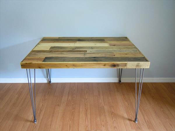 Diy multi toned pallet dining table 101 pallets for Pallet dining table