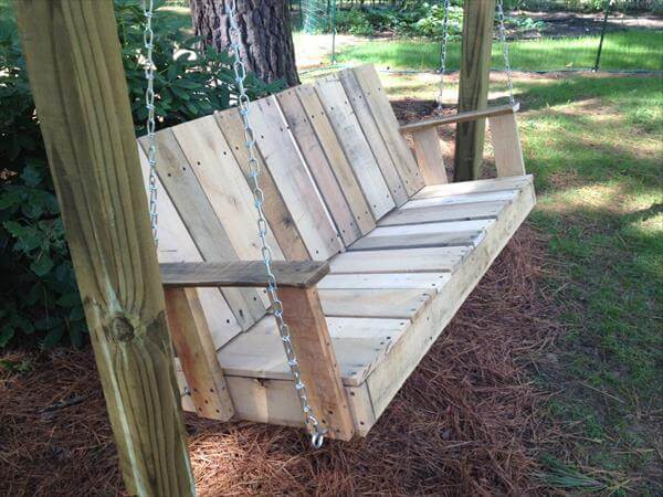 DIY Pallet Outdoor Two seated Swing 101