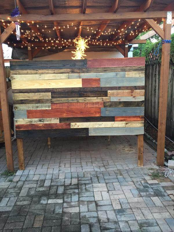 Diy Reclaimed Pallet Headboard With Lights 101 Pallets