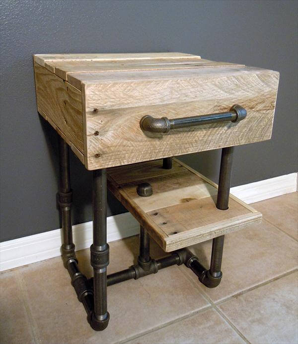 recycled pallet and iron pipe side table