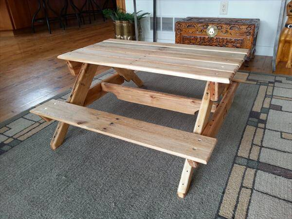... DIY Pallet Picnic Table DIY Rustic Inspired Pallet Picnic Table DIY