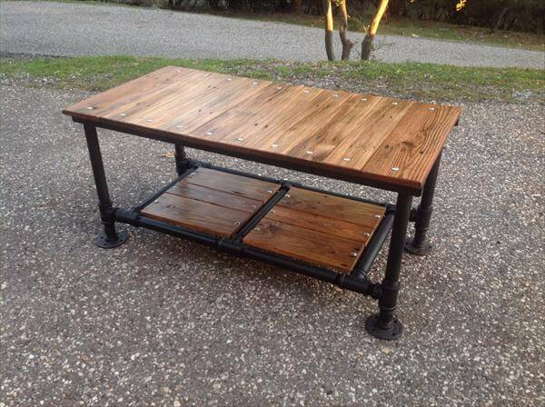 diy pallet coffee table with pipe base 101 pallets