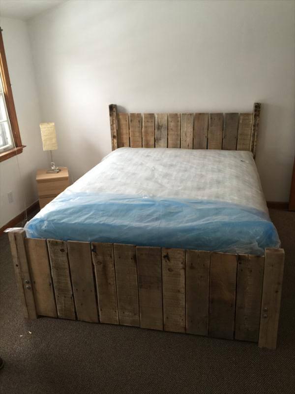 DIY Custom-Built Pallet Platform Bed | 101 Pallets