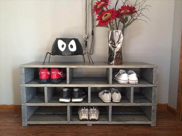 diy pallet shoe rack shoe storage 101 pallets. Black Bedroom Furniture Sets. Home Design Ideas