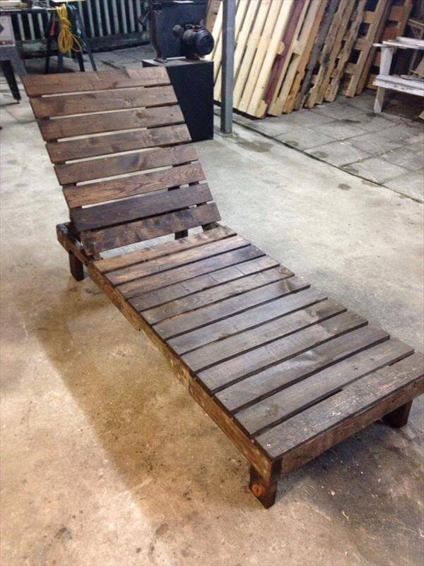 DIY Pallet Lounge Chair – Patio Furniture | 101 Pallets