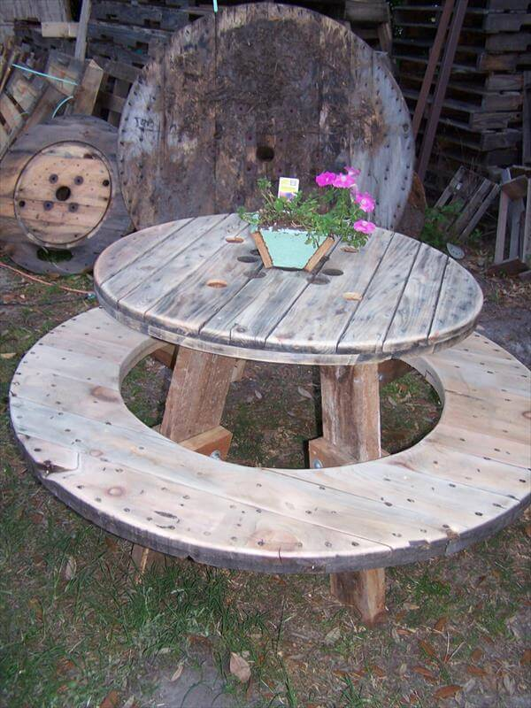 15 Unique Pallet Picnic Table 101 Pallets