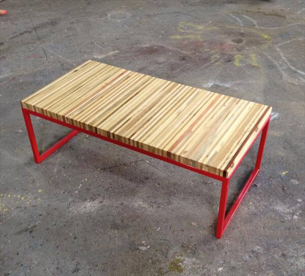 Diy pallet and steel bench coffee table 101 pallets for Building a bench from pallets