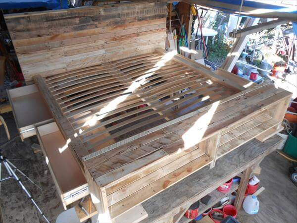 ... bed with storage drawers diy platform pallet bed plan with storage