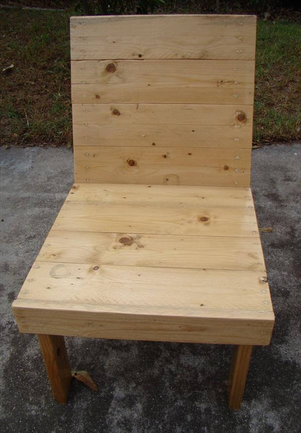 wooden pallet outdoor chair