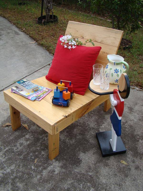 upcycled pallet outdoor chair furniture plan