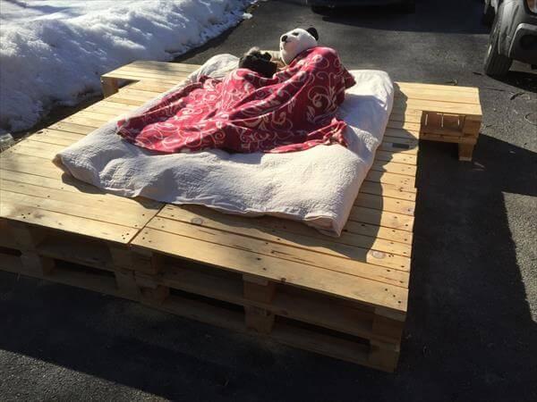 diy wooden pallet platform bed