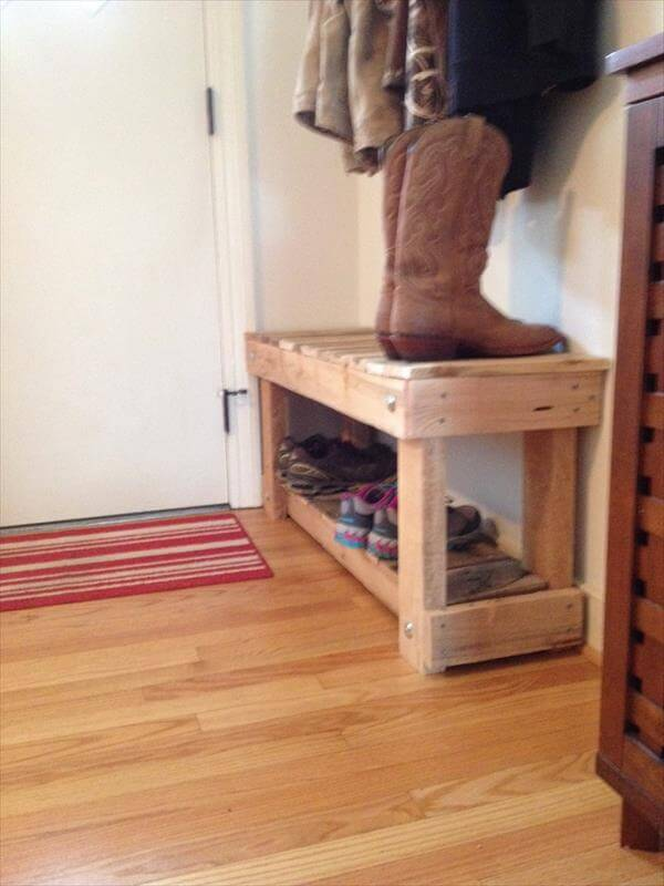 DIY Pallet Entryway Bench and Shoe Rack