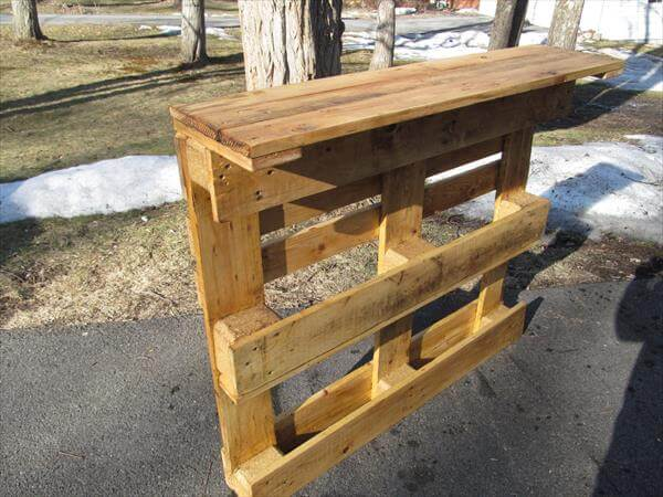 repurposed pallet upright media table or computer desk