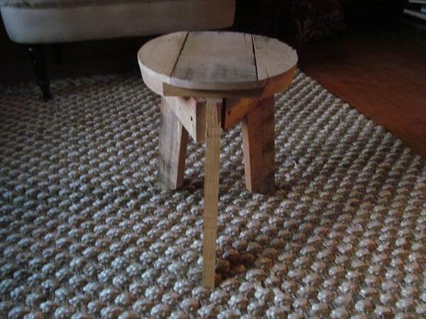 wooden pallet round top stool