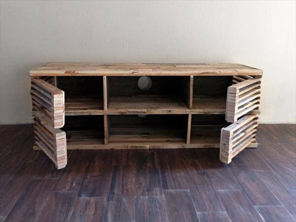 DIY Pallet Slatted Media Console Table 101 Pallets
