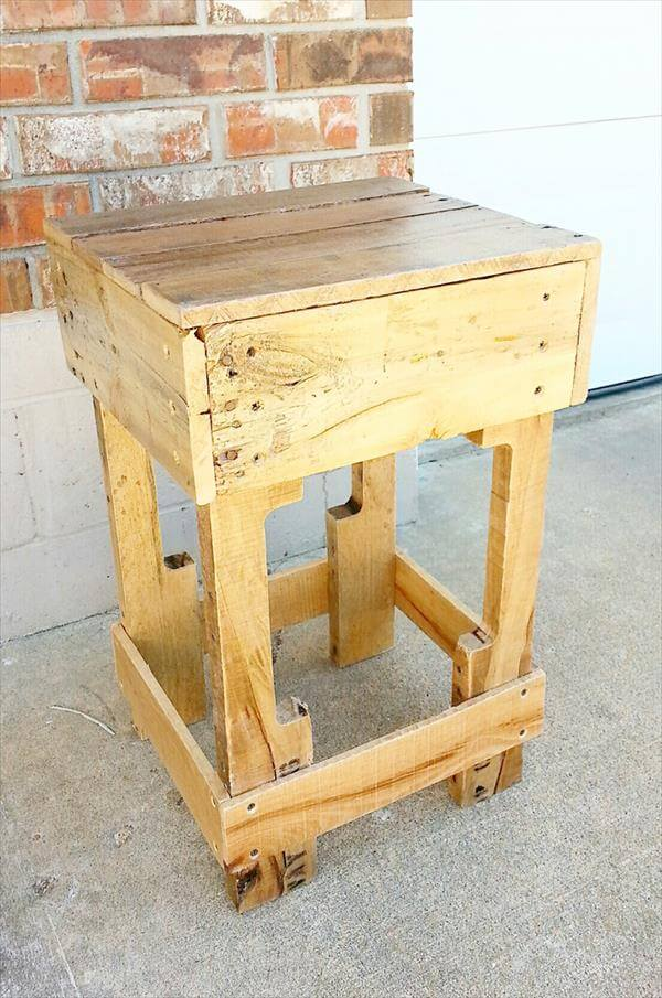 Wood side table from pallets