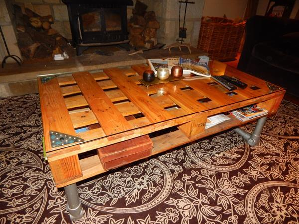 repurposed pallet coffee table with metal pipe base