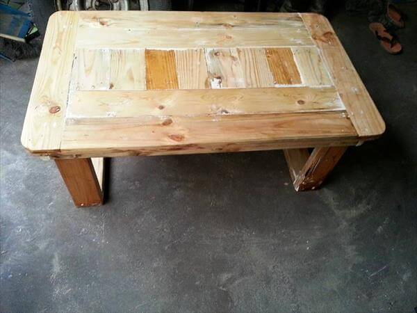 recycled pallet coffee table with flat box like legs