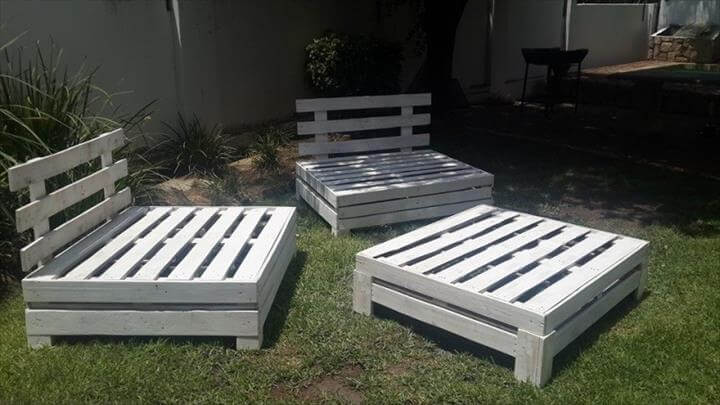 Adjustable Pallet Outdoor Furniture Set
