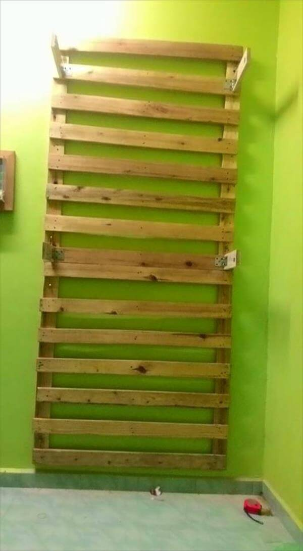 Pallet Wall Cloth Rack Clothes Organizer 101 Pallets