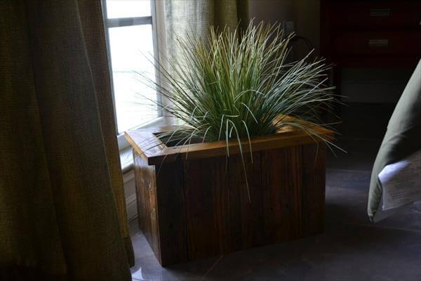 handmade pallet planter box
