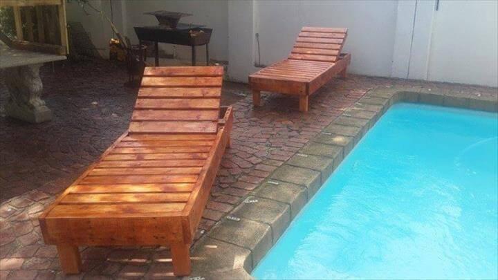 repurposed pallet pool chairs