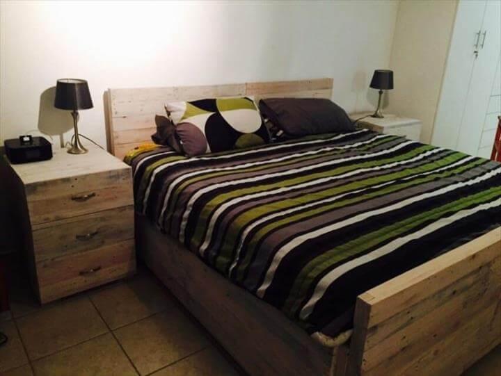 DIY Wooden Pallet Bed Set   101 Pallets on Pallets Bedroom Ideas  id=51071