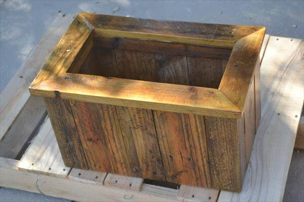 Pallet Double Garden Vase or Planter DIY Recycled Pallet Planter Box ...
