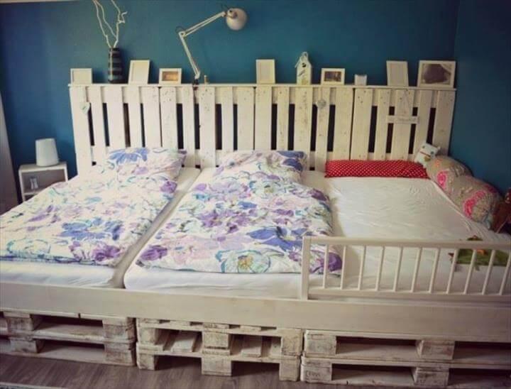 pallet triplet bed