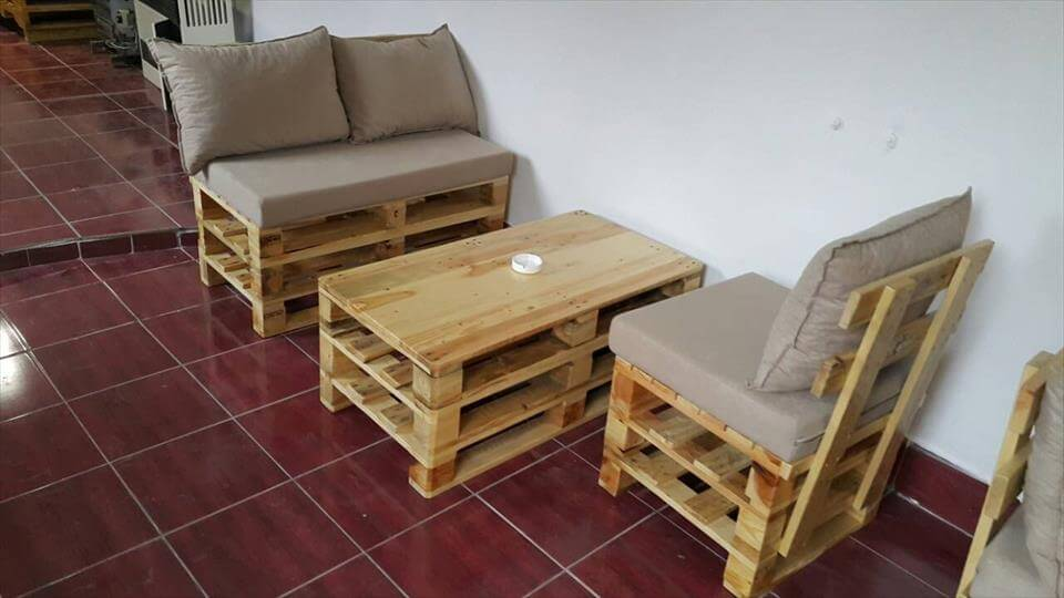 Pallet seating furniture plans 101 pallets for Sitting table designs