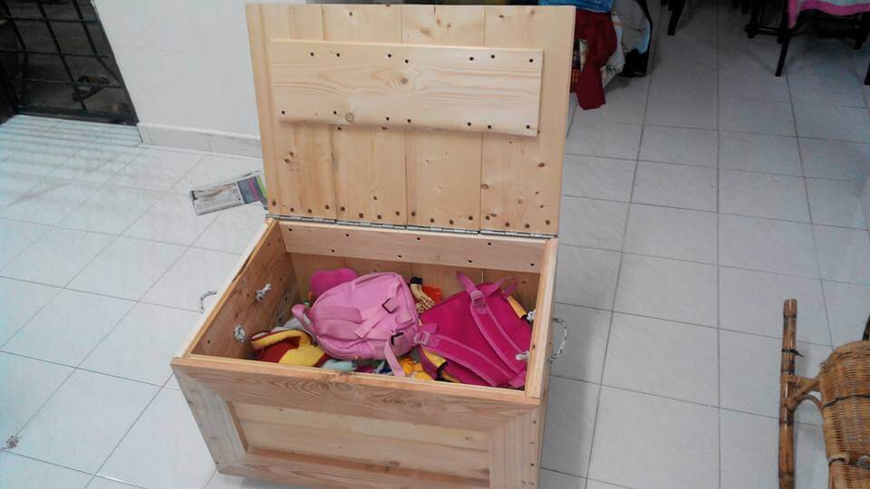 Toy Box Out of Pallets | 101 Pallets