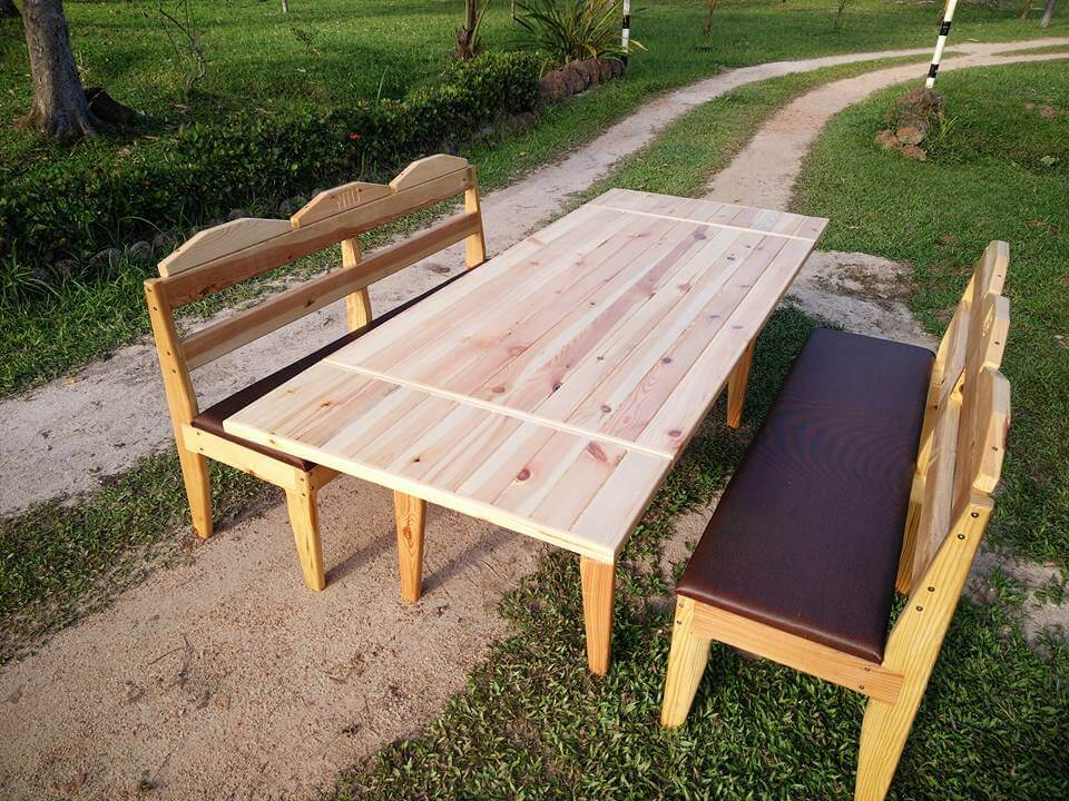 DIY Pallet Outdoor Dining Table 101 Pallets