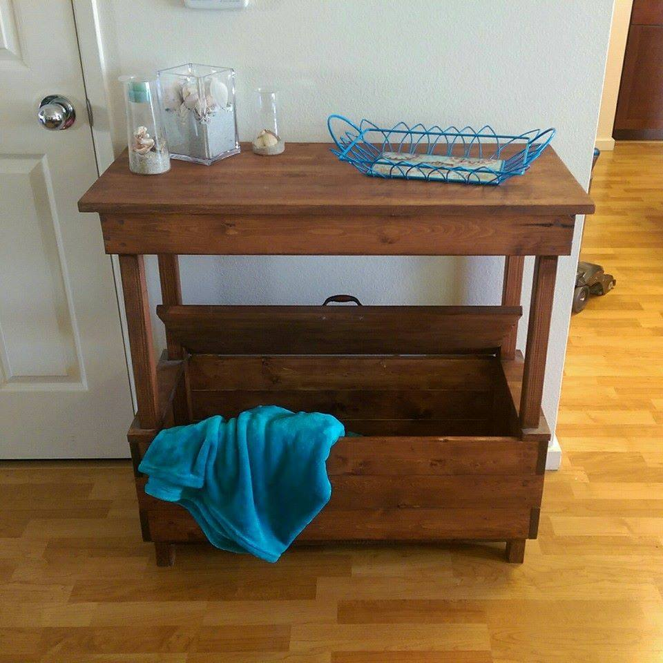 Handmade Pallet Mini Table With