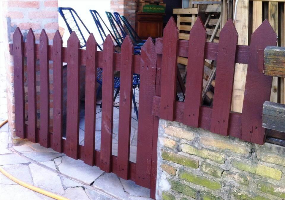 Wooden pallet gate door 101 pallets for Diy pallet fence gate