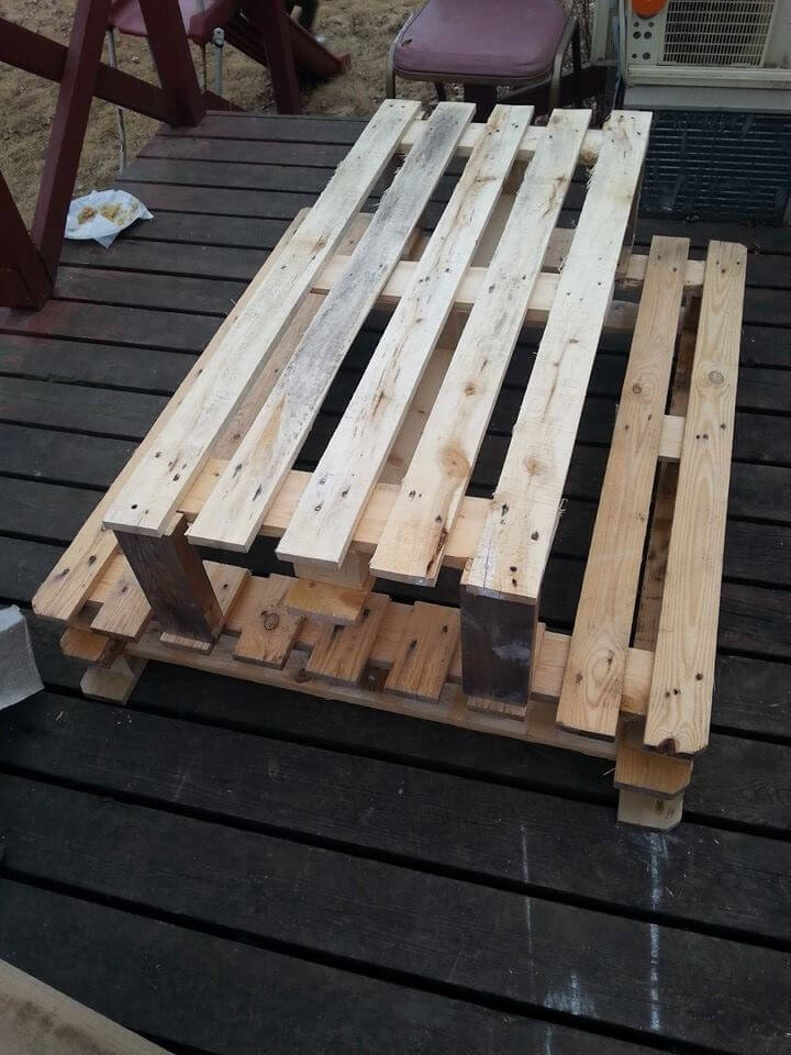 DIY Pallet Picnic Table for Kids | 101 Pallets