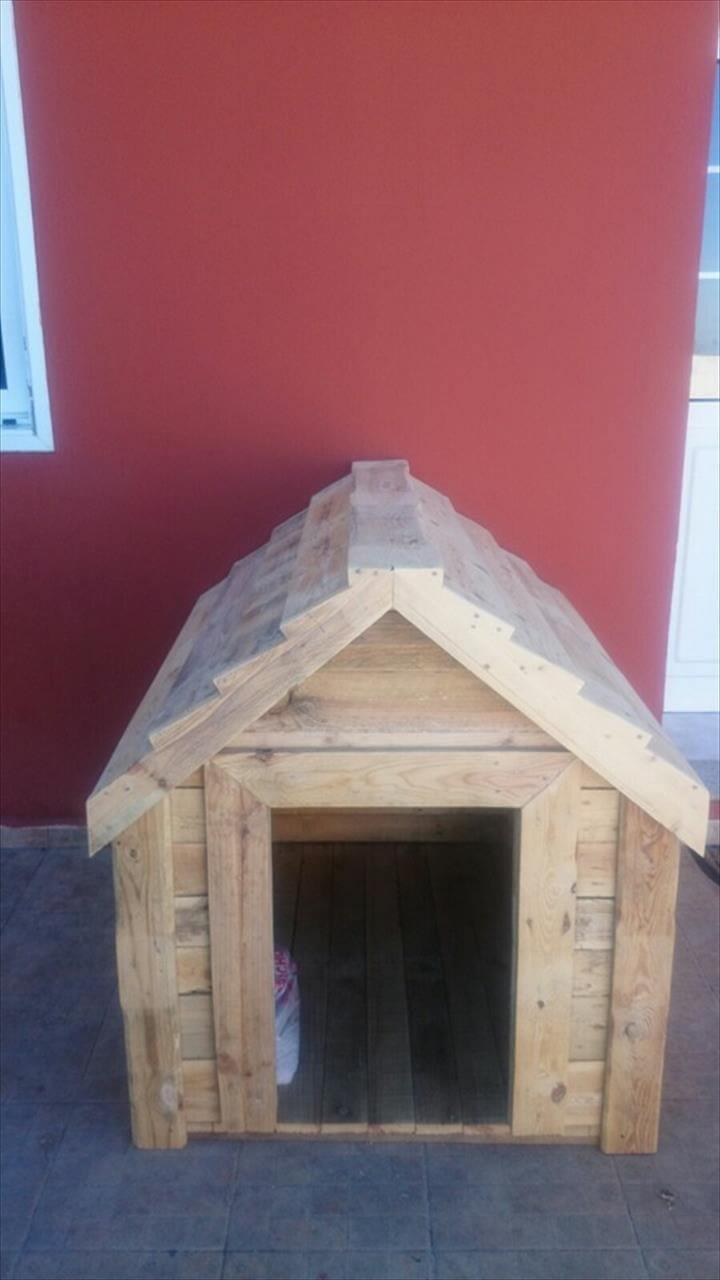 Pallet wood dog kennel 101 pallets for Pallet dog crate