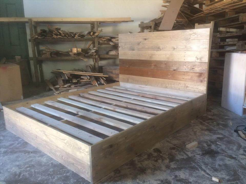 DIY Pallet Platform Bed | 101 Pallets