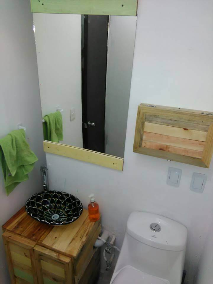 wooden pallet vanity furniture
