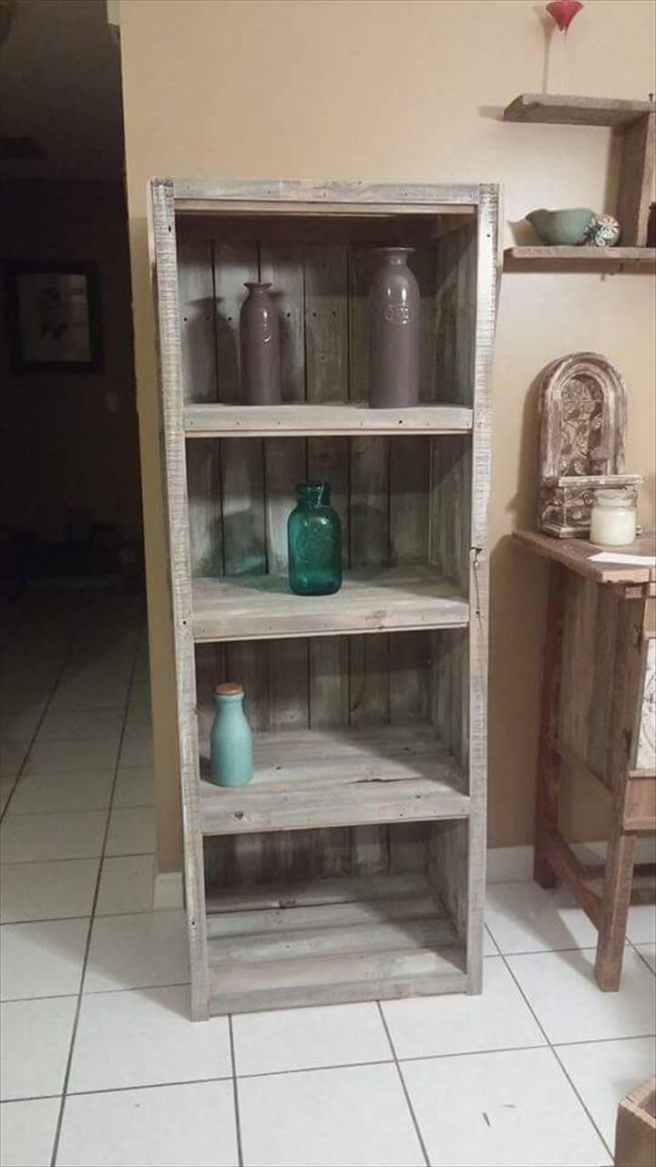 rustic wooden pallet organizer or bookshelf