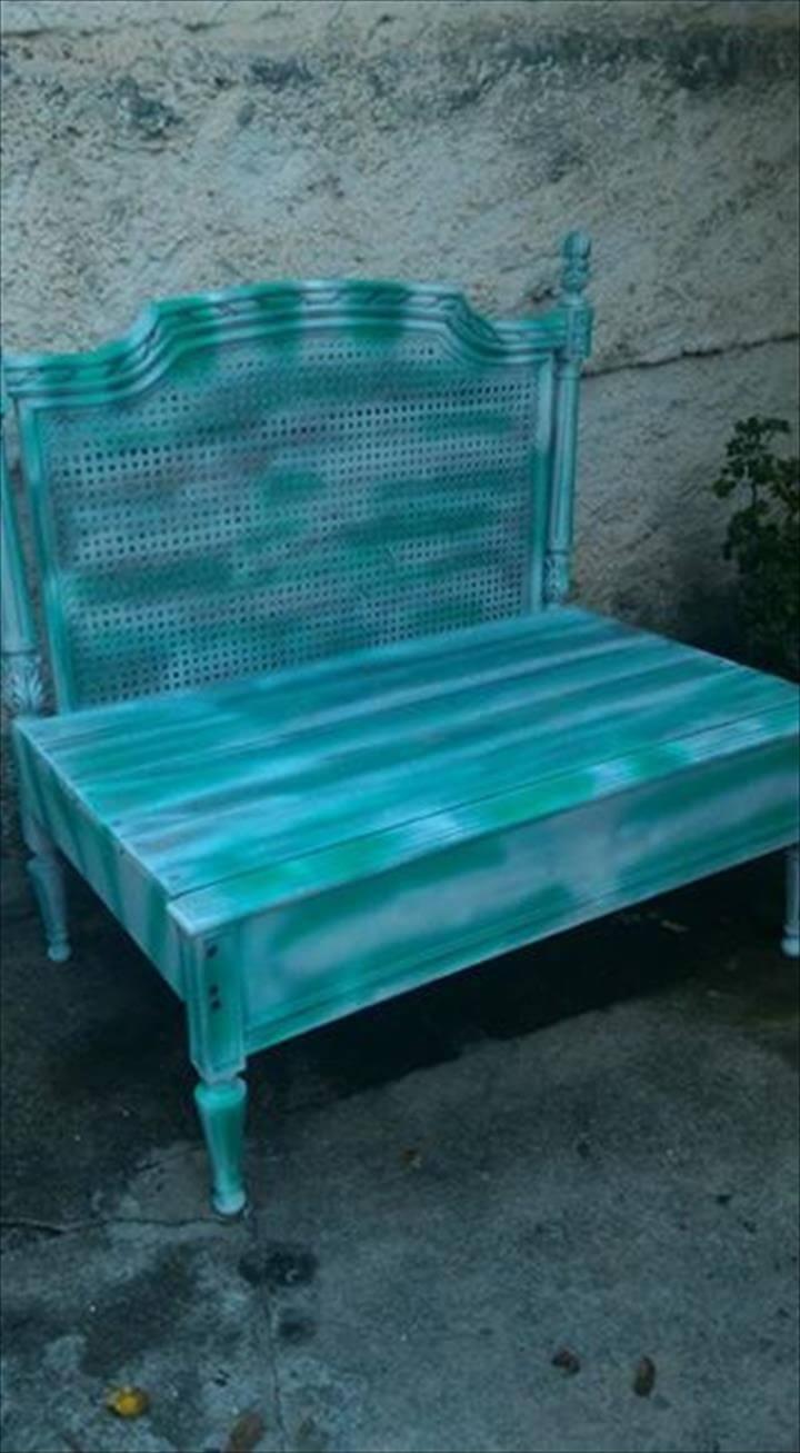 Wooden pallet crown chair