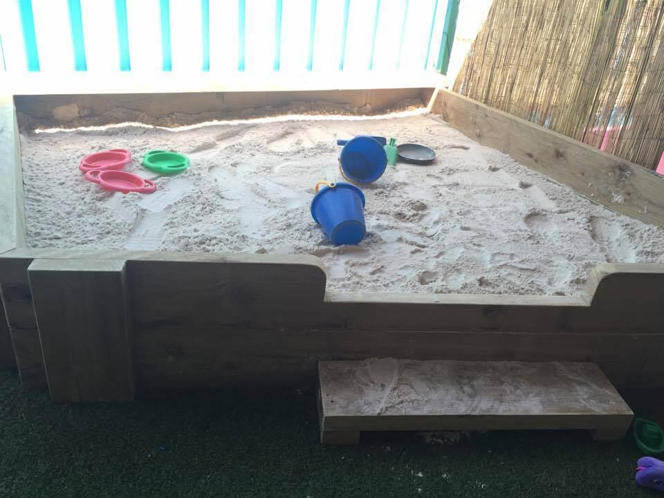 diy pallet sandbox