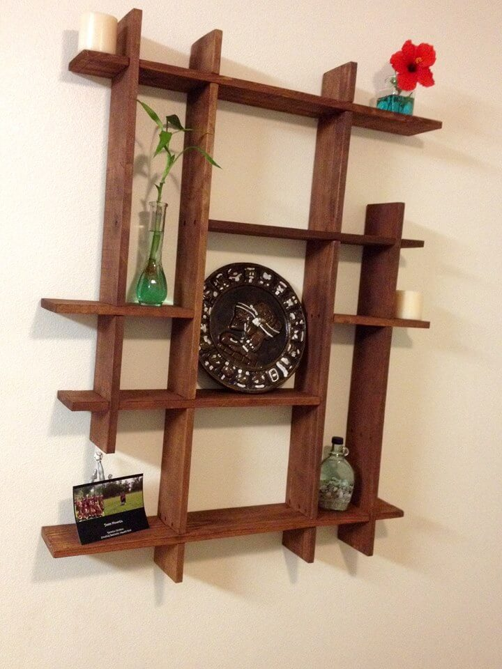 pallets wood decorative shelf ideas 101 pallets. Black Bedroom Furniture Sets. Home Design Ideas