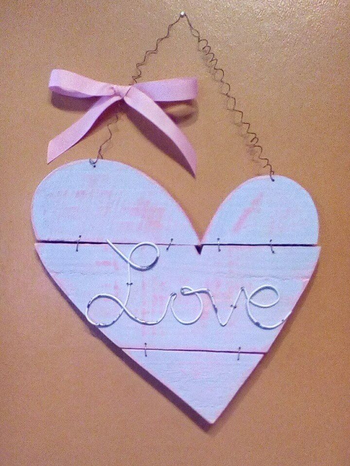 wooden pallet love wall art
