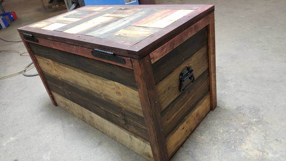 Wooden Pallet Chest Design | 101 Pallets