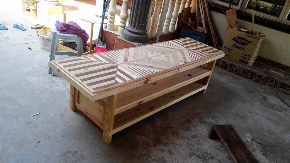pallet buffet table