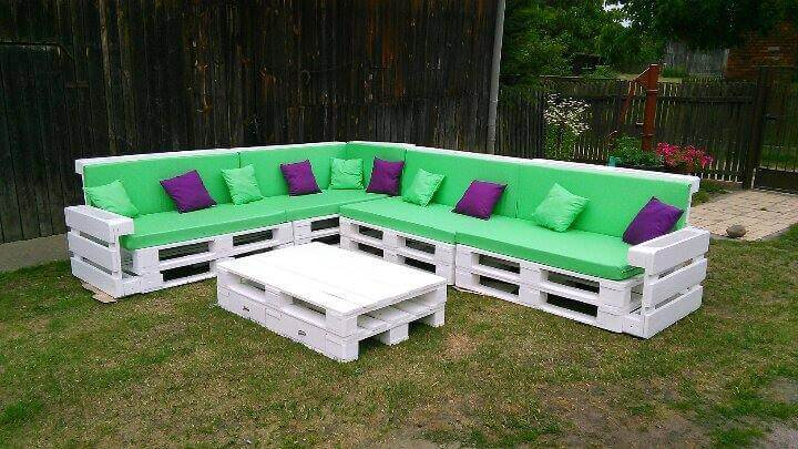 Beautiful Pallet Corner Sofa | 101 Pallets