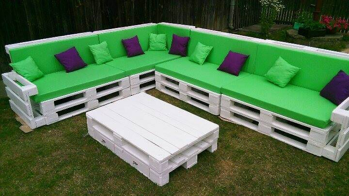 Wooden pallet giant corner sofa set