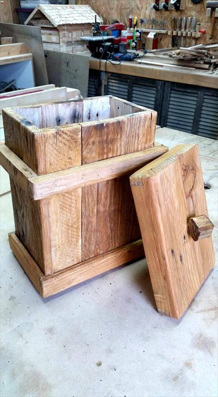Handmade Pallet Bathroom Trahs Can