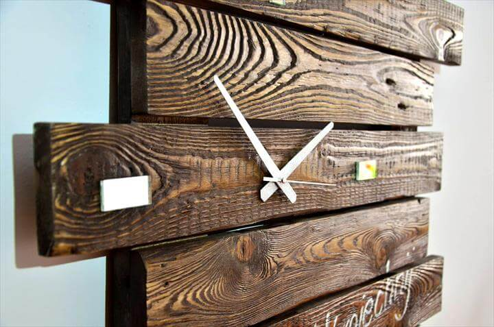 handmade custom pallet wall clock